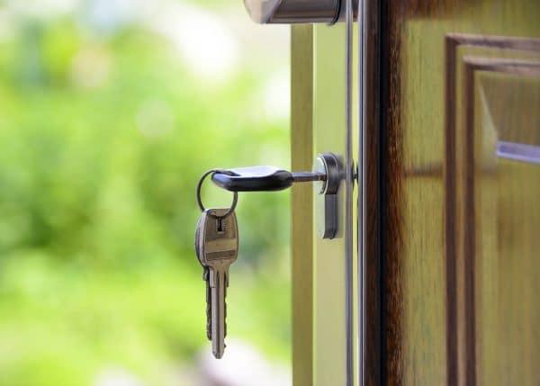 Schlüssel in einer Tür