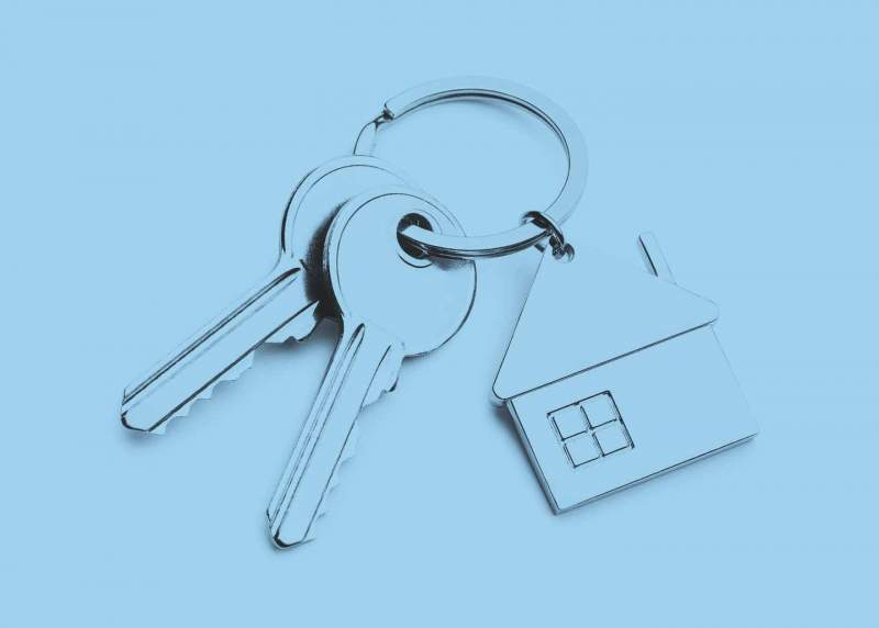 Schlüsselbund mit Haus als Anhänger